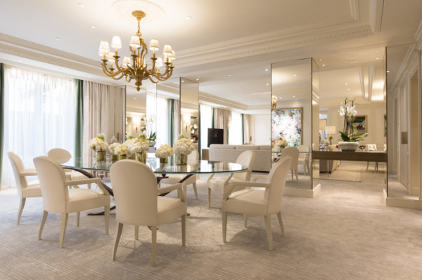 Royal Suite 124 dining room