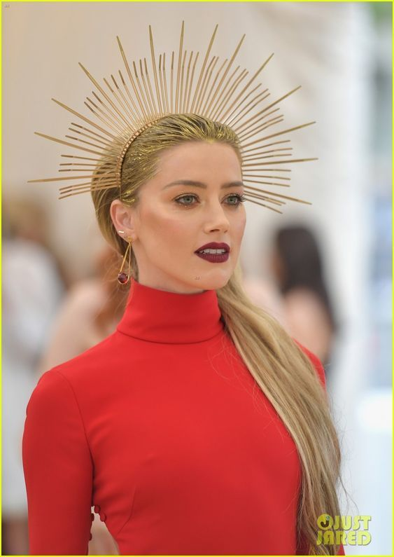 met gala 2018 headress 1