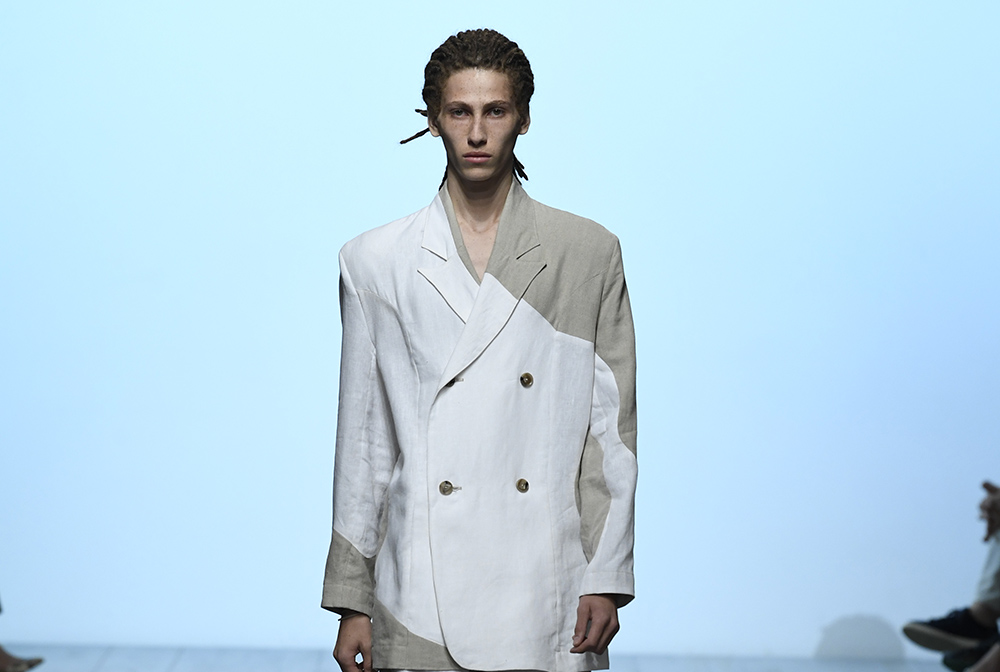 404276cfb672 Alex Mullins Spring Summer 2019: London Fashion Week Men's | Fashion ...
