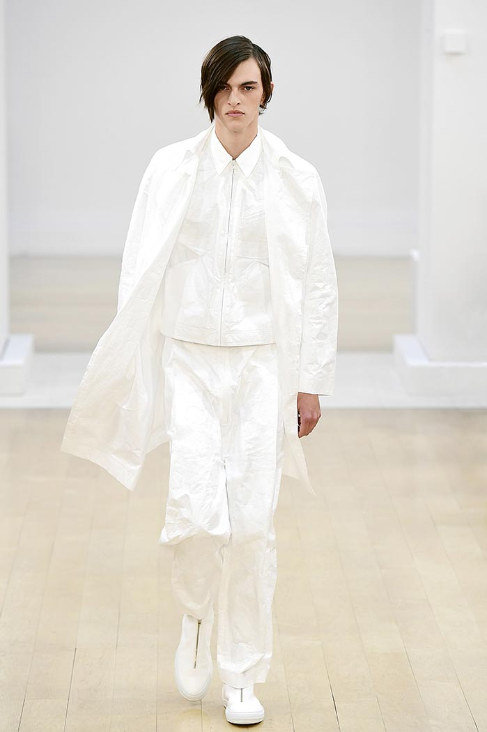 SS19 Look 01