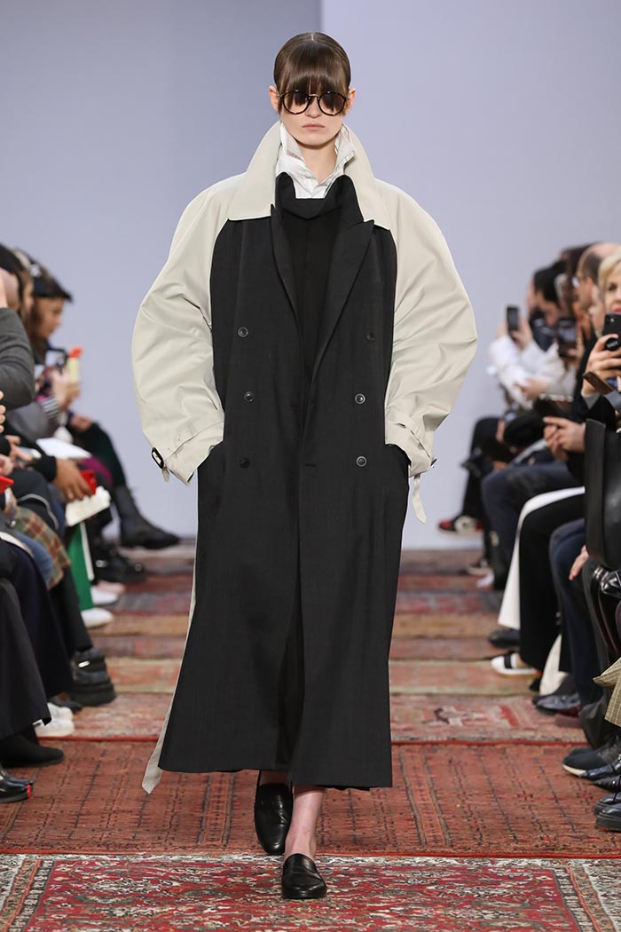 Runway look from the Moohong Fashion ShowReady To Wear Collection Fall Winter 2020 in Paris